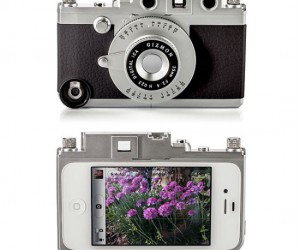 Now you can look like a real photographer with the Gizmon iPhone Camera Case.