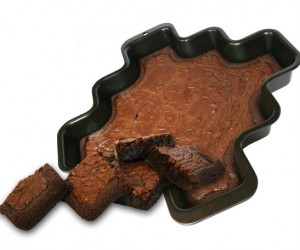 More corners brownie pan – If you're like me you love the corner pieces the best but with only 4 corners there are never enough.