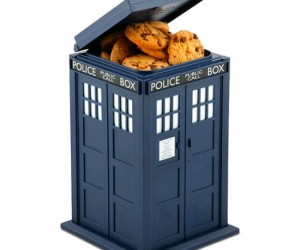 Fan of Doctor Who? Fan of cookies? Then why not combine both your loves with the Doctor Who TARDIS cookie jar… Plus it lights up and makes sounds when you […]