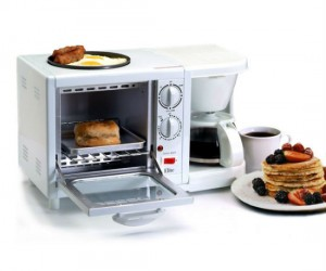 3 in 1 breakfast station – Tired of having to use 3 different appliances to make your breakfast? Well those days are over with the 3 in 1 breakfast station!
