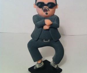Gangnam Style Figurine – Heeeeeeeeeyyyy Sexy Lady!