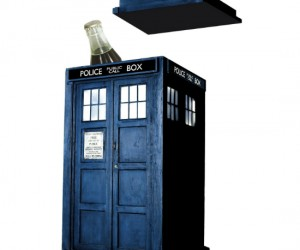 TARDIS Ice Bucket – This cool ice bucket will chill your drink, too bad it can't really send your drink through time to chill it faster than the speed of […]