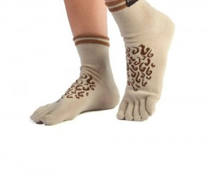 Hobbit Socks – Tired of having hairless feet? Well here at hair club for feet we can sell you a sock that will make you the most attractive Hobbit in […]