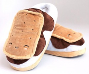 You wouldn't think that sticking your feet into some ice cream sandwiches would keep your feet warm, but they do.