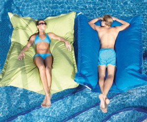 Pillow Pool Float – The comfort of a big fluffy pillow paired with the comfort of floating on water, ah perfection!