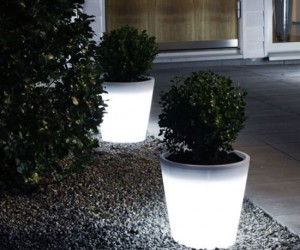 Transform any walkway or outdoor area into a light show with a few color changing LED plant pots by Instapark