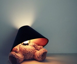 Teddy Bear Lamp – Fill your room with soft light with this cuddly lamp!