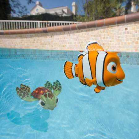 finding nemo and squirt pool toys