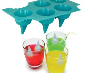 Shark Fin Ice Cube Tray – Good thing it's just the fin, you wouldn't want to get bit by a frozen shark.
