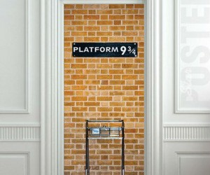 Harry Potter Platform 9 3/4 Door Sticker – Back up and run really hard into the door, you'll get to the other side *shifty eyes*