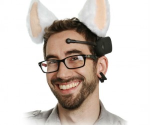 That's right, moving cat ears controlled by your brainwaves; This is quite possibly the most epic gift you can get for a crazy cat lady!