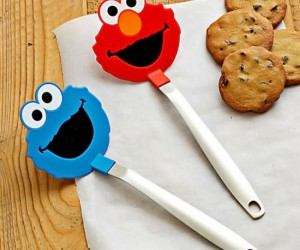 The absolute best spatula to use while baking cookies is definitely a cookie monster spatula! There's an Elmo one too.