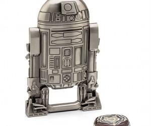Star Wars R2D2 Bottle Opener – The galaxy's most faithful droid now comes in bottle opener form.