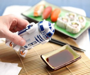 Star Wars R2D2 Soy Sauce Dispenser – Not only is R2D2 a great pilot but his holographic projector also makes for a perfect pouring spout.