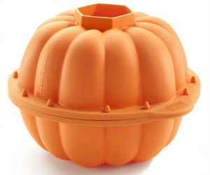 Pumpkin 3D Cake Mold – Make sure you use a pumpkin flavored cake recipe to make it extra special!