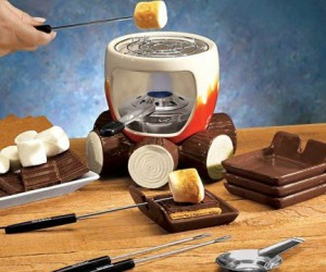 The Complete Smores Maker Kit – comes with smores maker, steel grill, fuel holder, flame snuffer, 4 forks, and 4 plates! What smore could you ask for?