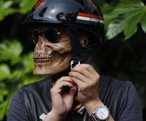 Now you can look like Ghostrider or Mr Grimm from Twisted Metal!