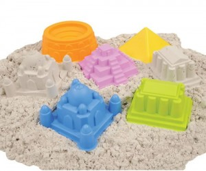 World Landmarks Sand Molds! – Tired of making boring old sandcastles?