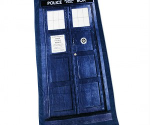Doctor Who TARDIS Bath Towel – Bathe like the Doctor!