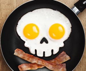 Skull Shaped Egg Mold – Breakfast fit for a pirate.