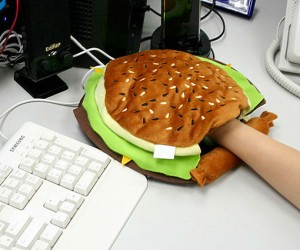 Cheeseburger Hand Warming Mouse Pad – No more cold hand.