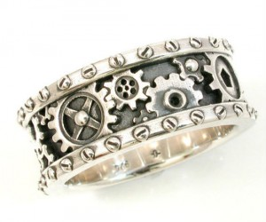 Steampunk Ring! – Too bad the gears don't actually move.