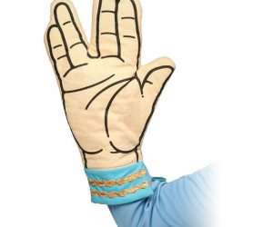 Spock Oven Mitt – Live long and try not to burn yourself!