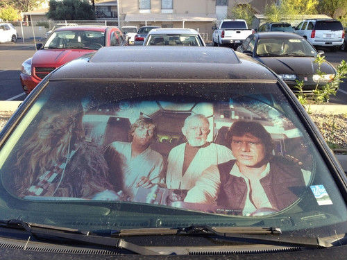 star-wars-products-millennium-falcon-sunshade
