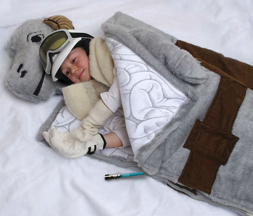star-wars-products-tauntaun-sleeping-bag