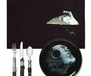 Death Star Dinner Set – Enjoy your meal in a galaxy far, far away.