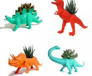 Dinosaur Planters – Who wouldn't love a dinosaur with a plant growing out of its back?