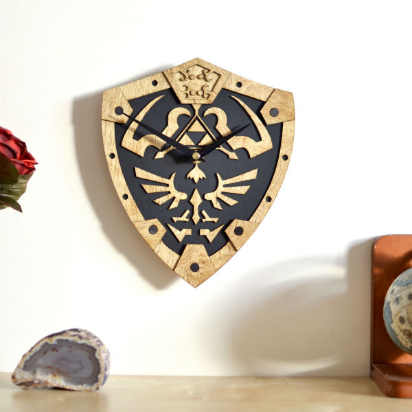 hylian-shield-wall-clock-2