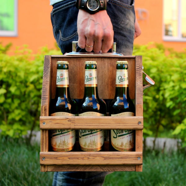wooden-beer-caddy