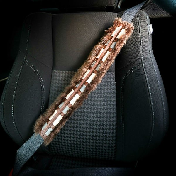 chewbacca-seatbelt-cover-suatmm