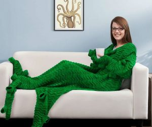 Tentacuddle Blanket – Release the kraken!